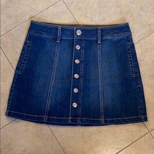 Adorable AEO denim skirt 🤩